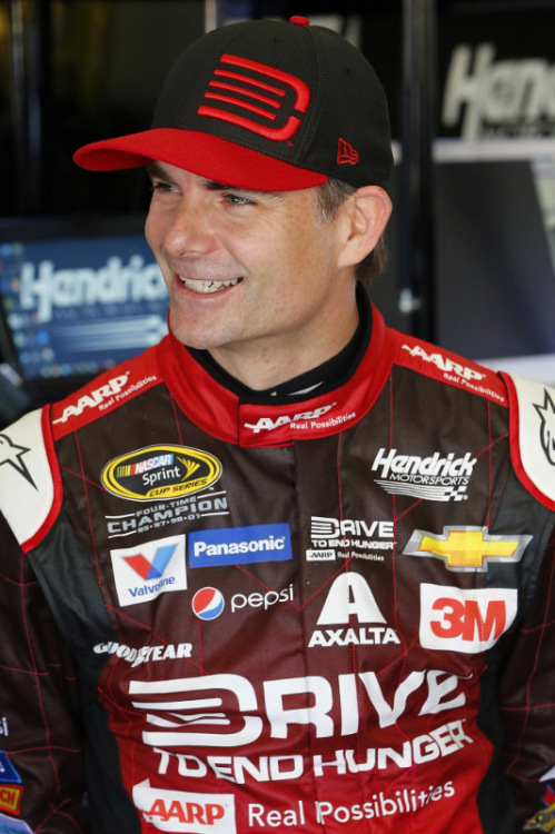 Jeff Gordon Is Among Five To Be Inducted Into West Coast Stock Car Hall Of Fame