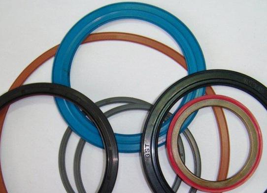 PLS Upright / Wheel Hub / Bearing Seals